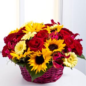 Arrangement in a basket