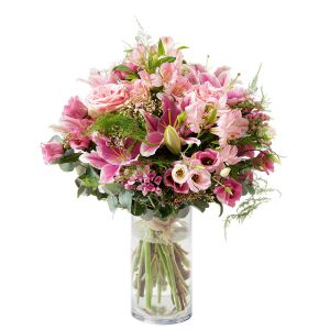 round bouquet of flowers in pink colours